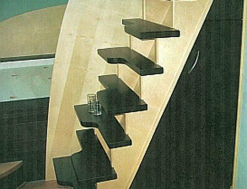 Wunderschöne Treppe aus Massivholz